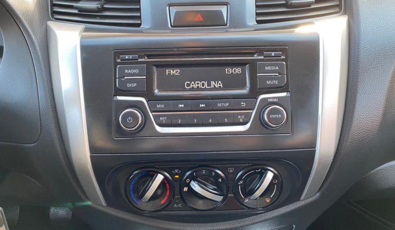 Nissan NP300 DCAB 2.3 SE 4X2 MEC completo